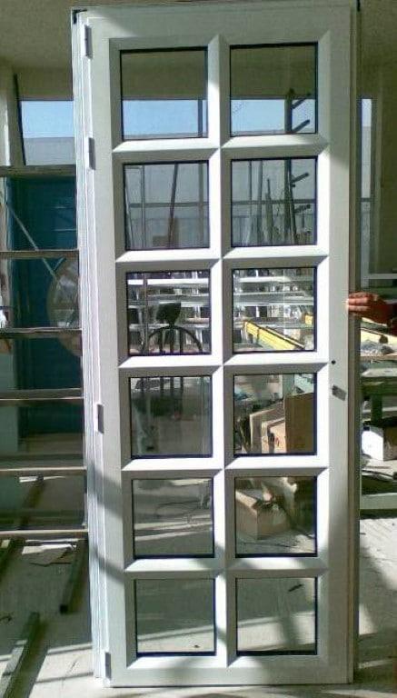 Πόρτες κουζίνας με χωρισματα